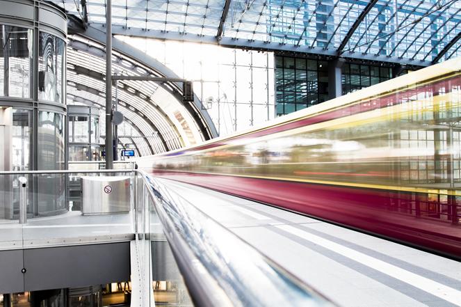 Business Travel, Agenzia Easy per Trenitalia, ti offre la possibilità di prenotare biglietti ferroviari per i prodotti Frecce, Intercity e treni regionali. Con una semplice telefonata potrai effettuare la prenotazione e il pagamento e ricevere via mail il biglietto in modalità ticketless.