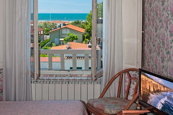 Giardinia Pietrasanta Orario : Miglior prezzo hotel villa flores marina di pietrasanta toscana