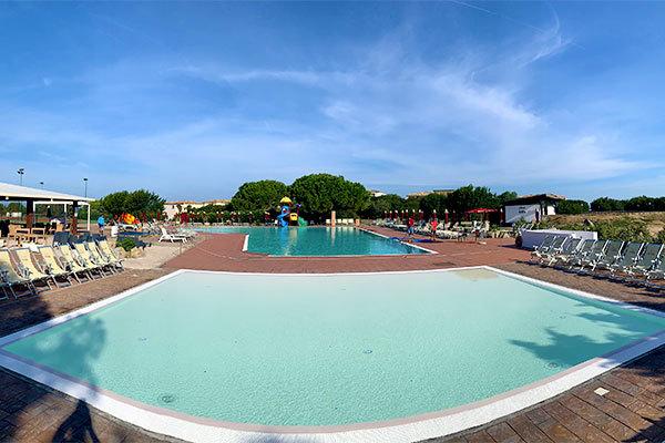 Villaggio e divertimento in Gallura