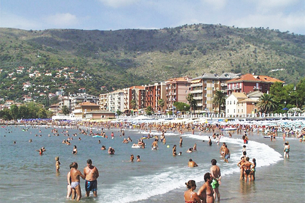 Villaggio low cost in Liguria