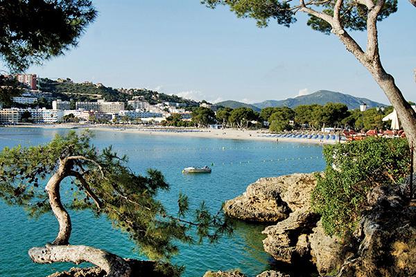 Struttura moderna, sulla spiaggia di Santa Ponsa