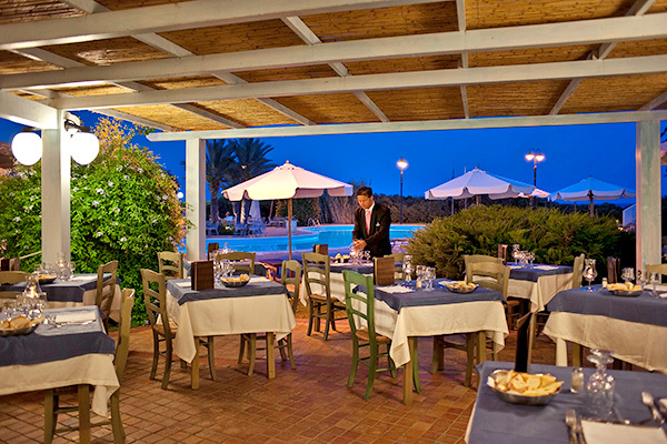 Intimo ed elegante resort nella Sardegna più esclusiva