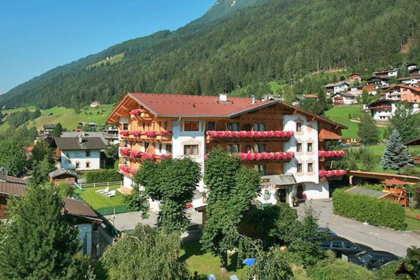 Circondato dalle Alpi dello Stubai