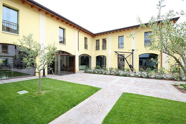 Raffinato 4*S sul Lago di Garda