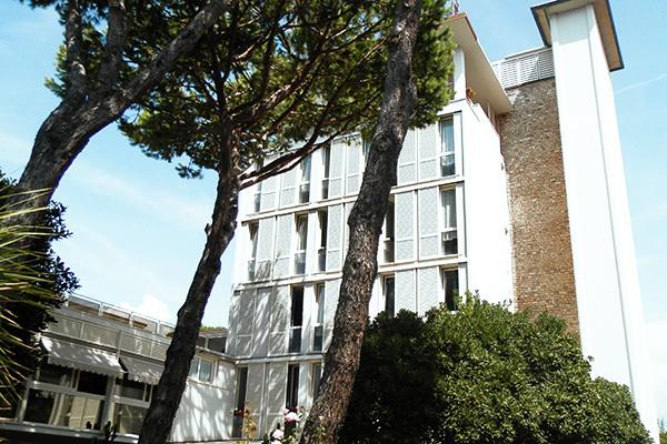 Giardinia Pietrasanta Orario : Miglior prezzo hotel il caravaggio marina di pietrasanta toscana