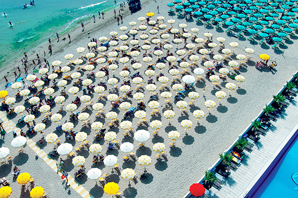 Fronte mare, con spiaggia privata inclusa e animazione. Nuova gestione