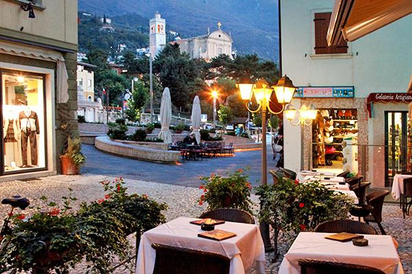 Essenziale, in riva al Lago di Garda