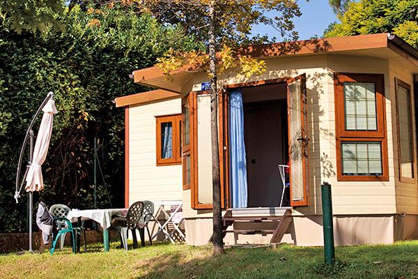 Camping fronte lago, fino a 5 posti letto