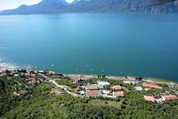 Accogliente 3* vista lago