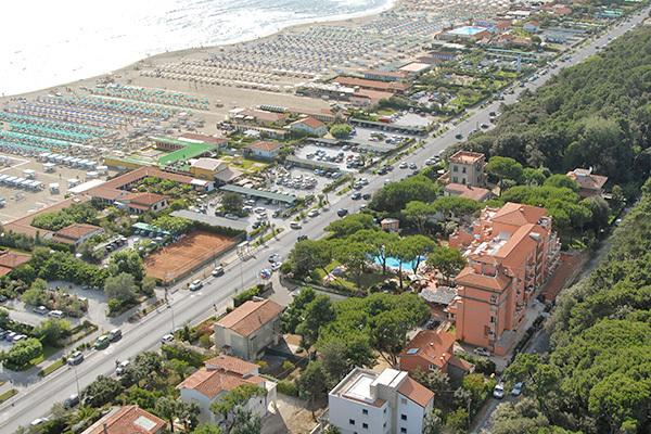 Giardinia Pietrasanta Orario : Miglior prezzo hotel versilia palace marina di pietrasanta toscana