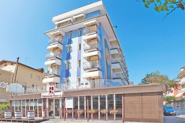 Family hotel 3* a Jesolo, a 50 metri dalla spiaggia