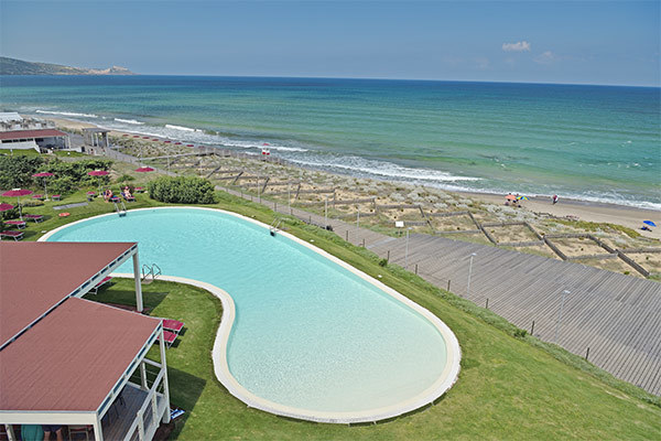 Nuovissimo hotel fronte mare per adulti