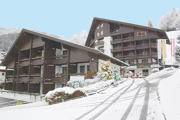 Villaggio turistico in tipico stile alpino