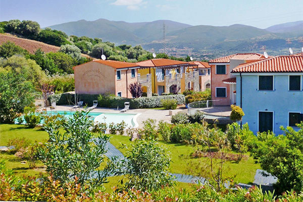 Appartamenti a 1 km da Terme di Casteldoria