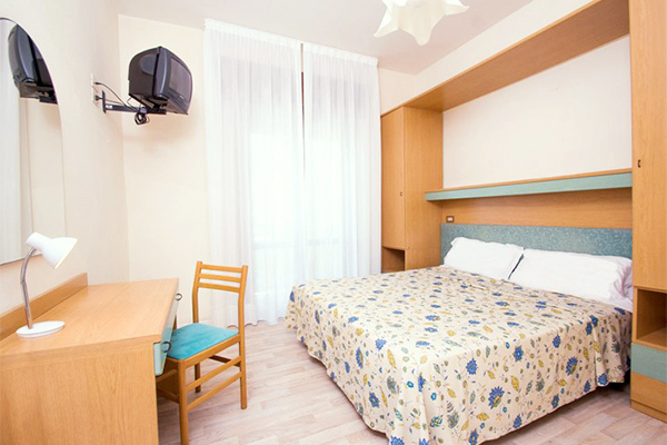 Hotel 3* affacciato sul mare