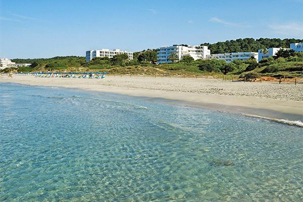 Sulla spiaggia di Santo Tomas