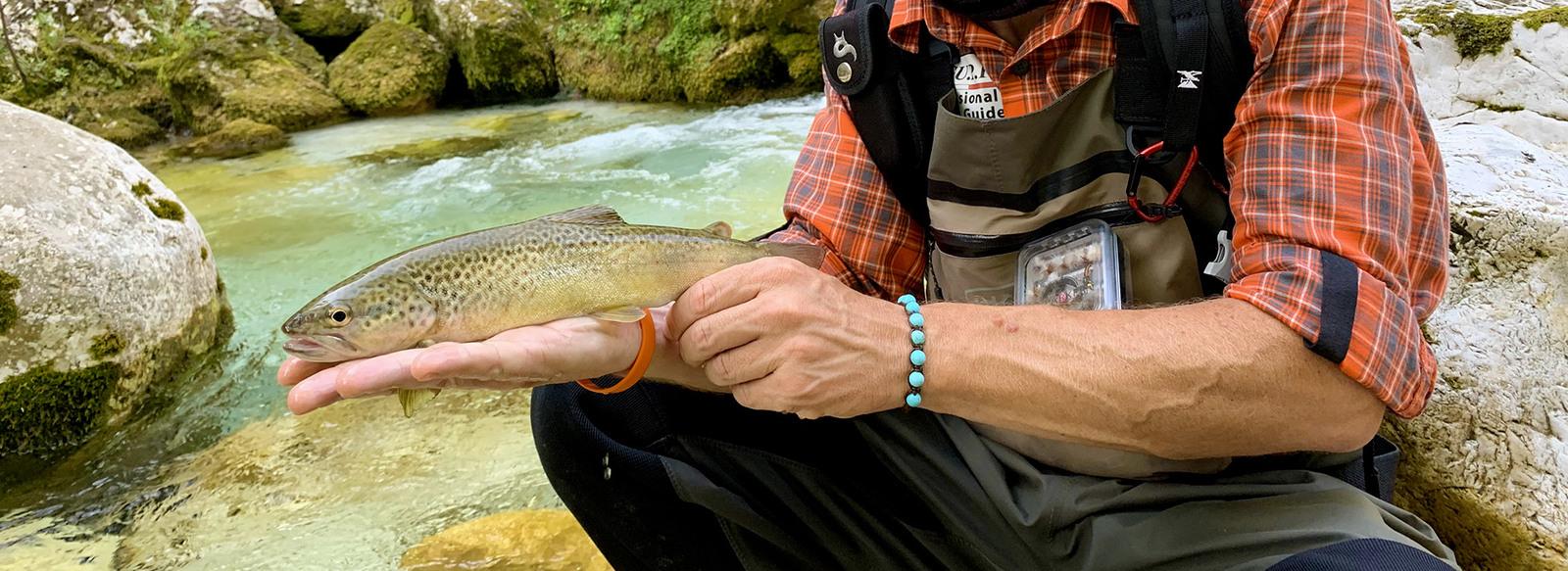 Un'esperienza di pesca con accompagnatore
