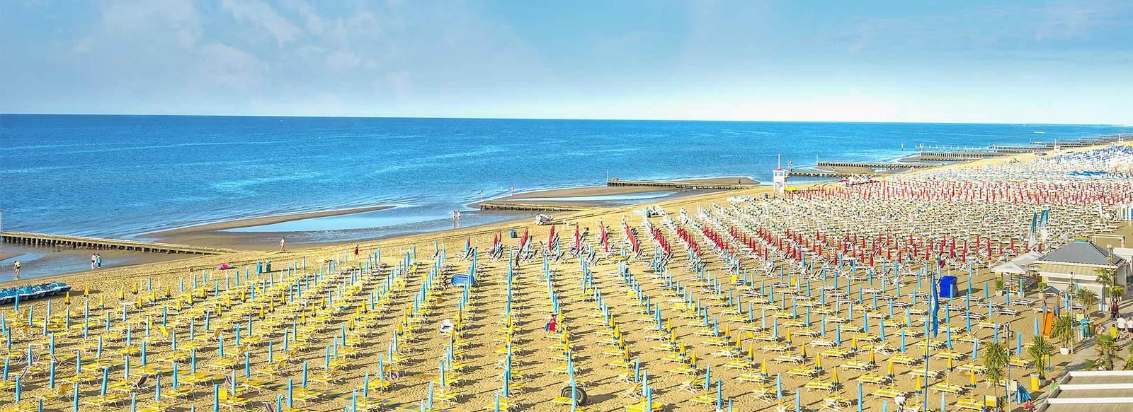 Atmosfera familiare direttamente sul mare, con servizio spiaggia