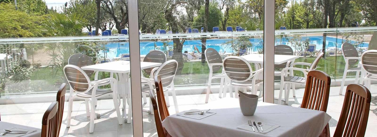 HOTEL VILLA PARADISO SUITE 4* - Moniga del Garda (BS)