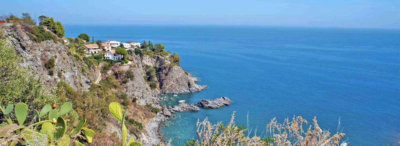 A 1 km dalla costa Ionica