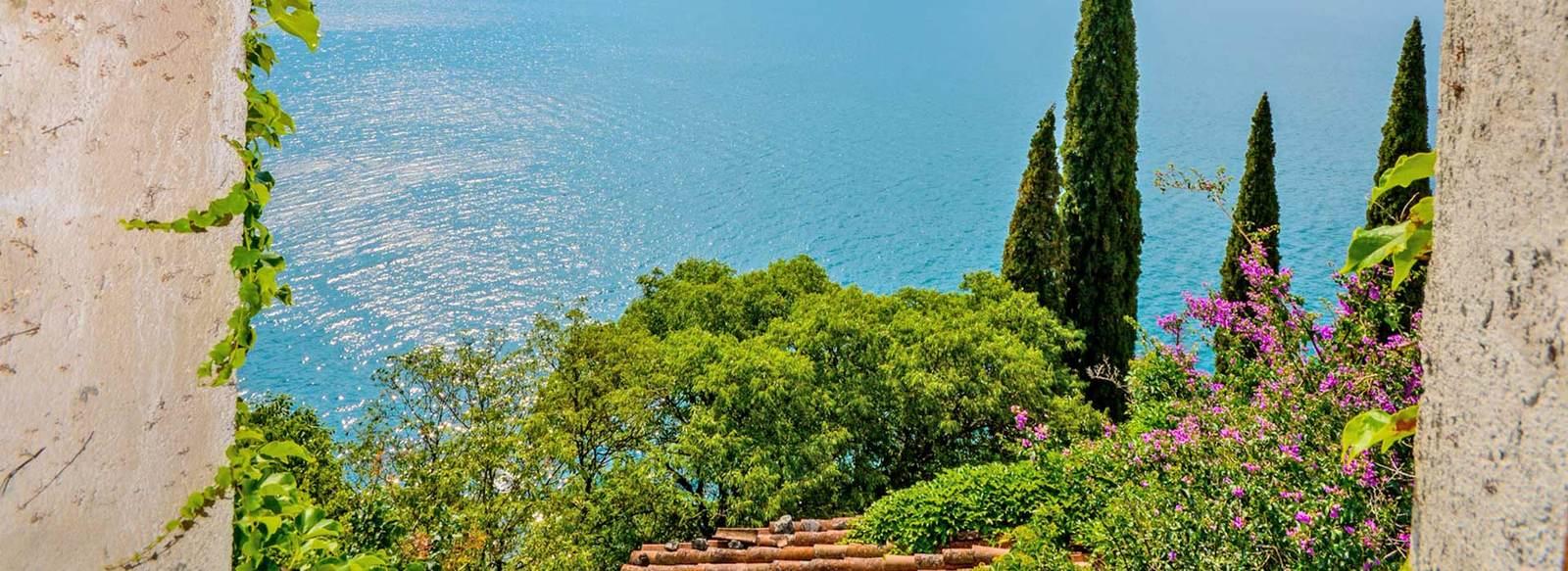 Spettacolare panorama sulle sponde del Garda