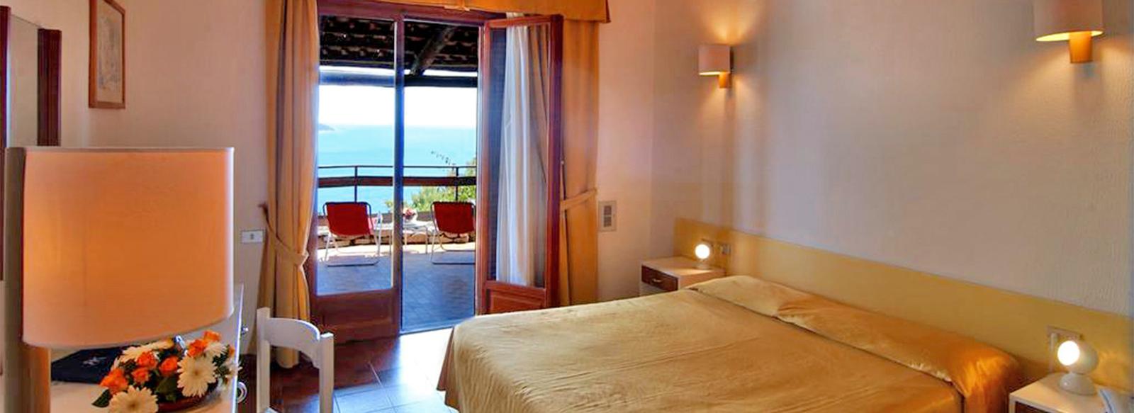 Hotel 4* sul promontorio di Capo Palinuro
