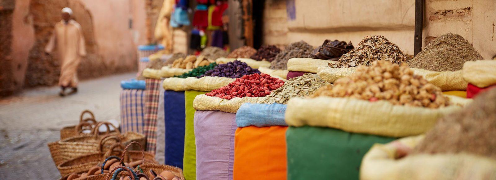Marrakech in riad, con pranzo tipico, cena in palazzo storico e lezione di cucina