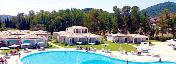 Villaggio 4* a 400 metri dal mare di Cala Sinzias