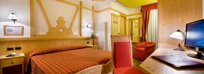 FAMILY HOTEL A 300 METRI DAL CENTRO CON TRATTAMENTO DI MEZZA PENSIONE