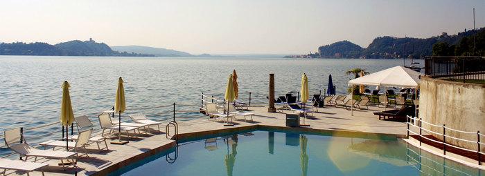 Direttamente sul Lago Maggiore