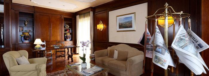 Esclusivo e panoramico, nella baia di Taormina