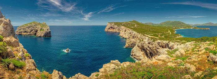 Vista panoramica sulla baia di Capo Caccia