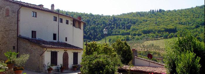 Fattoria nel cuore delle valli toscane, a 15 km da Firenze