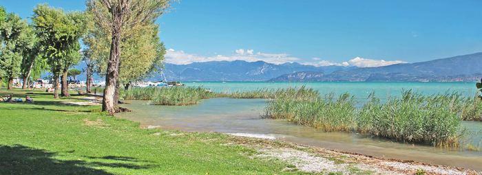 Soggiorno in riva al lago, con ingresso a Gardaland