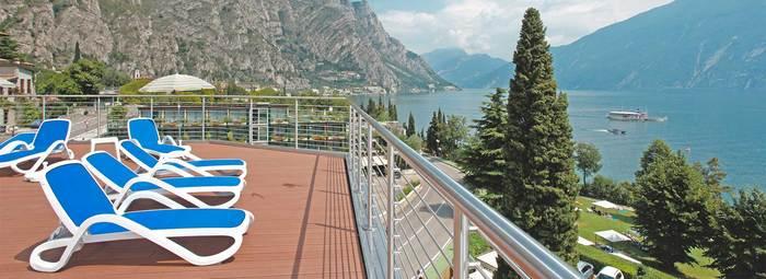 Moderno, in centro, fronte lago