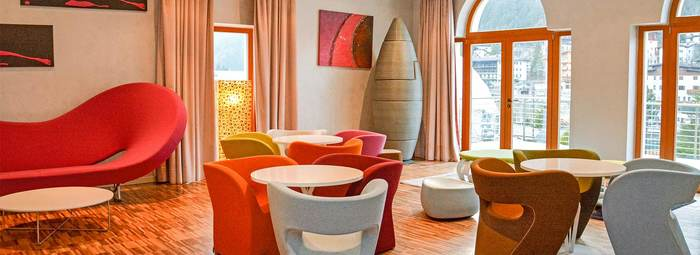 Miglior prezzo design oberosler hotel madonna di for Design hotel alto adige
