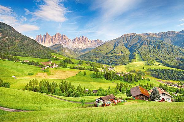 Aria fresca e tanta natura: parti per la montagna