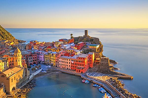 Mare, sapori, atmosfere, relax. Prenota la tua vacanza estiva al mare con IoSi Viaggi.