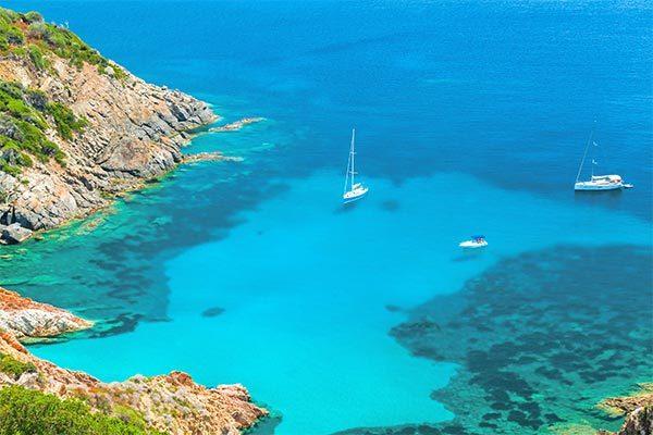 Una vacanza rilassante tra natura e mare cristallino