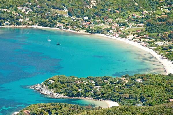 Prenota la tua vacanza all'Isola d'Elba a prezzi imbattibili. La nave &egrave; gratis!<div>Scopri la selezione di offerte che Vantaggi Travel ti ha riservato.</div>